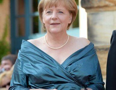 Merkel oszczędza na sukienkach? Niemcy kłócą się o kreację kanclerz...