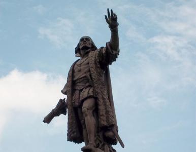 """Pomniki Krzysztofa Kolumba usunięte pod osłoną nocy. """"Tymczasowo, do..."""