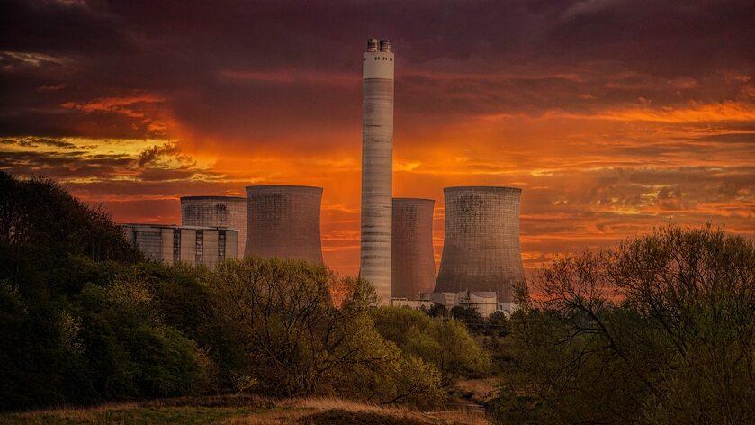 Elektrownia atomowa, zdjęcie ilustracyjne