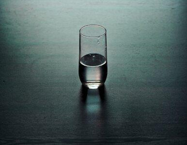 8 dobrych powodów, by właśnie w tym momencie wypić szklankę wody