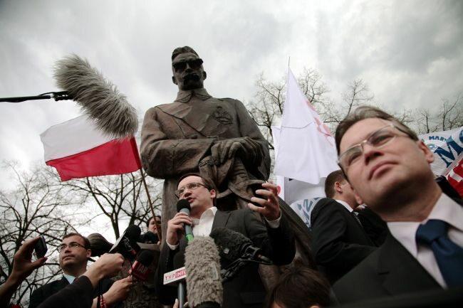 Wszystkiemu z góry przyglądał się Józef Piłsudski (fot. (fot. PAP/Tomasz Gzell)