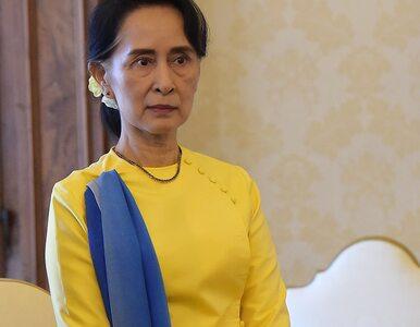 Premier Mjanmy po raz pierwszy odwiedziła strefę konfliktu zamieszkaną...