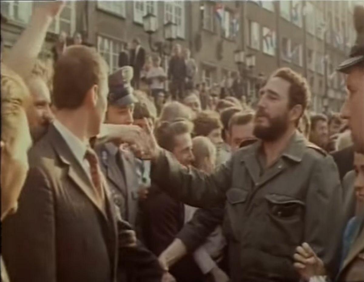 Fidel Castro podczas spaceru po Gdańsku