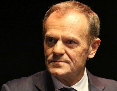 "Tusk zadał pytanie ""maturalne"". Napisał o partii, homoseksualistach i..."