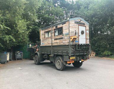 Mieszkają w wojskowej ciężarówce. Zobaczcie, jak wygląda jej wnętrze