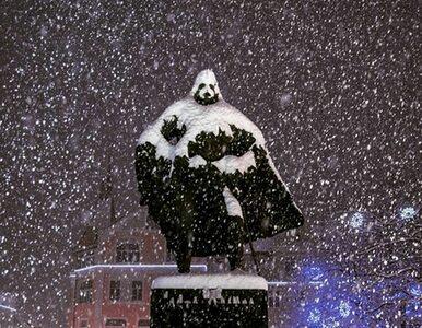 """""""Time"""" pisze o polskim pomniku. """"Śnieg zmienia go w Darth Vadera"""""""