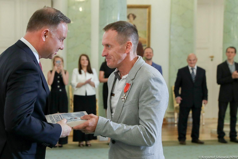 Denis Urubko z orderem od prezydenta