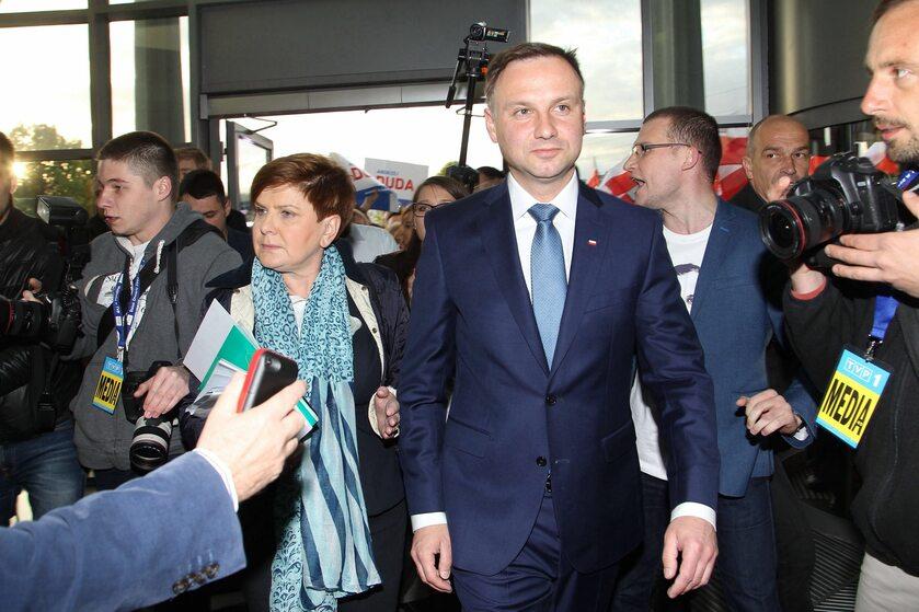 Beata Szydło i Andrzej Duda w trakcie kampanii przed wyborami w 2015 roku