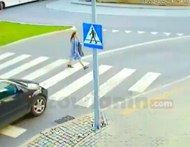 Samochód po prostu wjechał w pieszą na pasach. Film przeraża