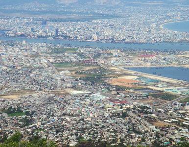 Trzy zakażenia i ewakuacja 80 tys. osób. Wietnam reaguje na sytuację w...
