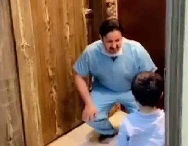 Pielęgniarz odmawia synowi uścisku z powodu koronawirusa. Poruszające...