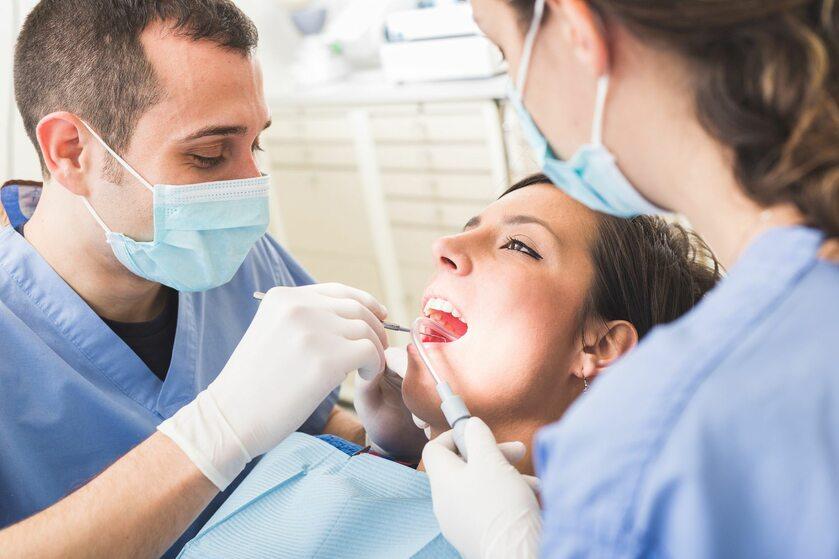 Zabieg stomatologiczny