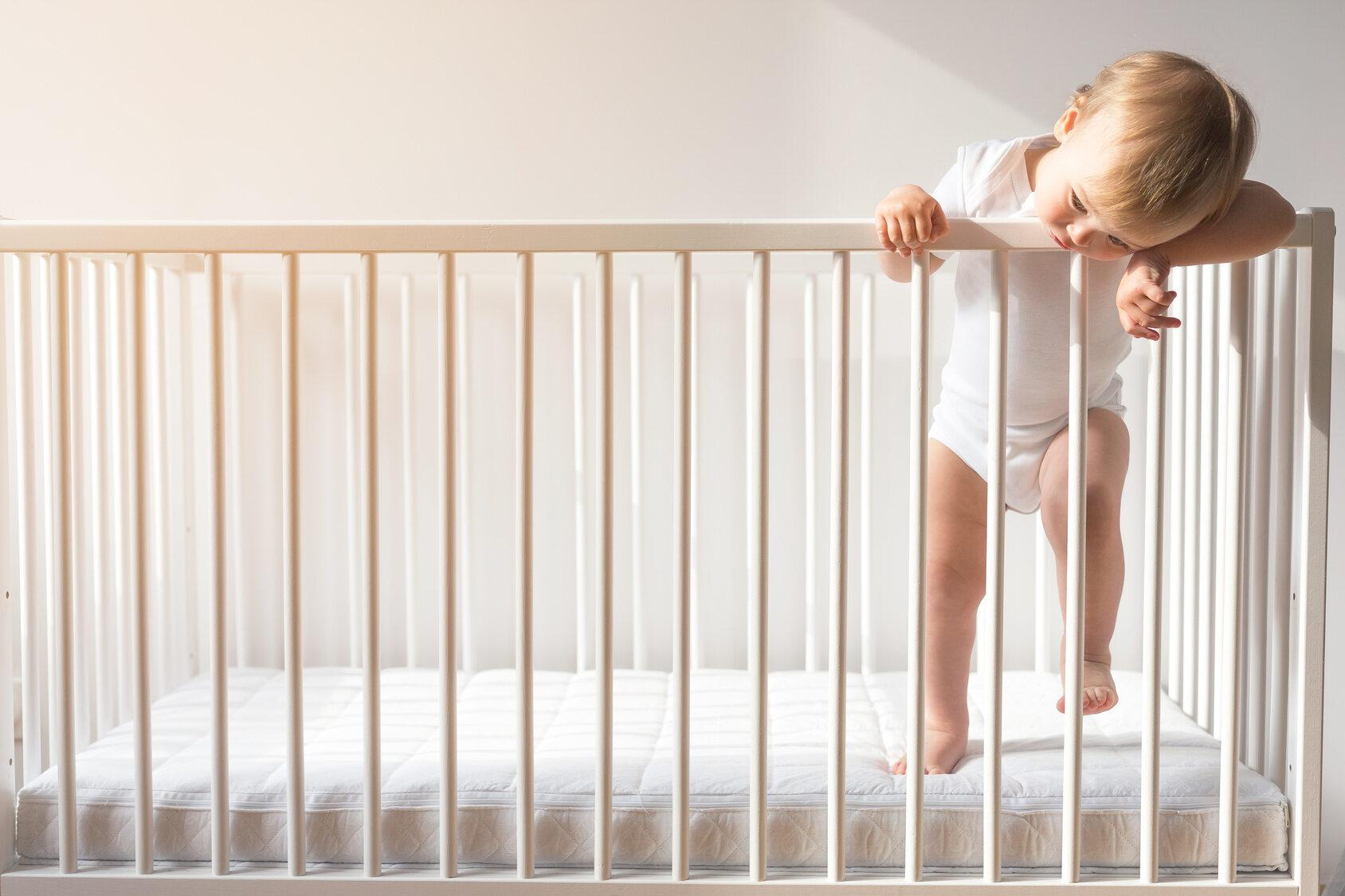 Dziecko, łóżeczko, zdj. ilustracyjne