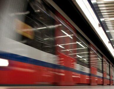 Bomba na stacji metra Centrum? Nie - fałszywy alarm