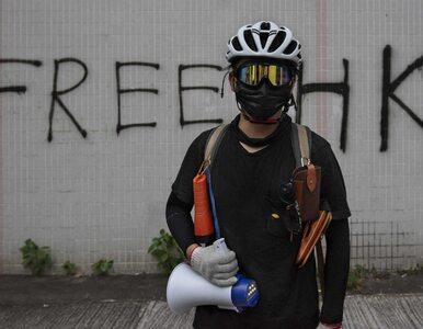 Protesty w Hongkongu. Fotografowanie demonstracji wyniesione na wyższy...