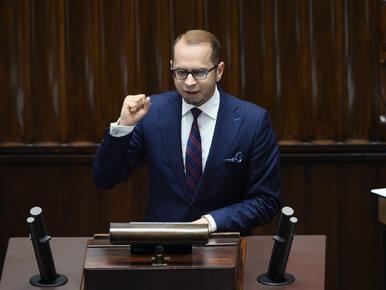 """Poseł wykluczony z obrad mówi o """"militaryzacji parlamentu"""""""