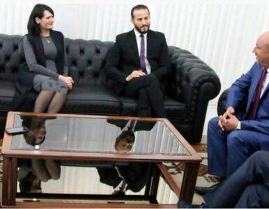 """""""Wydłużyli"""" sukienkę minister. Photoshop w służbie dobrym obyczajom"""