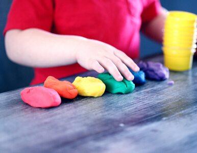 Ekspert: Edukację seksualną warto zacząć już u dwuletniego dziecka