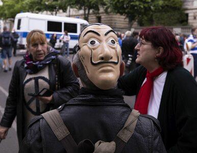 Protest w Berlinie przeciwko kwarantannie. Policja aresztowała blisko 60...