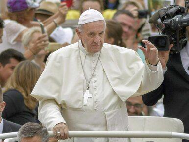 Papież niechcący wywołał skandal. Przez pomyłkę pobłogosławił parę gejów
