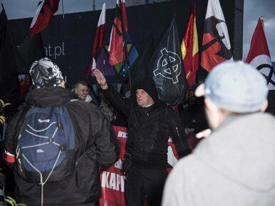 Faszystowskie hasła i symbole na Marszu Niepodległości w Warszawie i na...