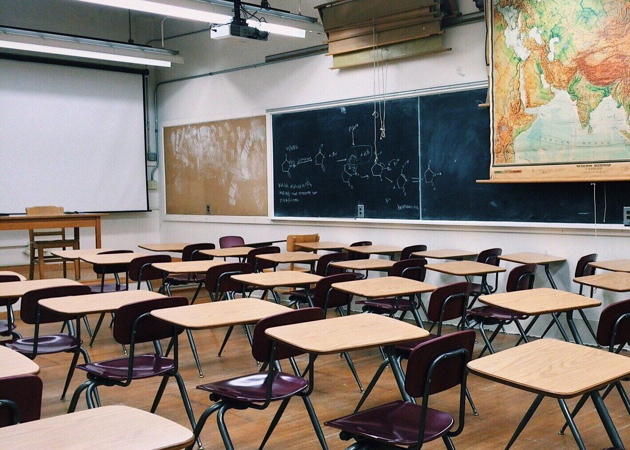 Jaki przedmiot szkolny najmniej przydaje się w życiu?