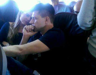 To on ujawnił zdjęcie Petru i Schmidt z samolotu. Teraz pracuje w TVP
